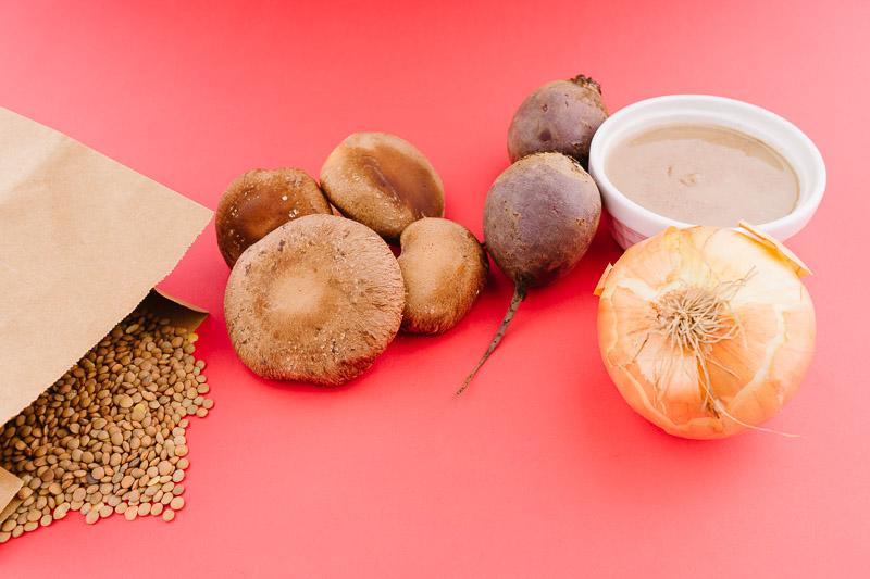 Продукти за веджибургери с цвекло и шиитаке