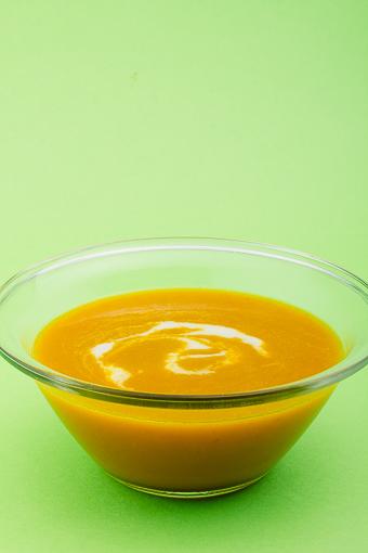 Веган джинджифилена супа от моркови